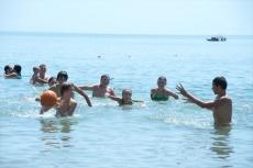 Пляж в детском лагере Дон